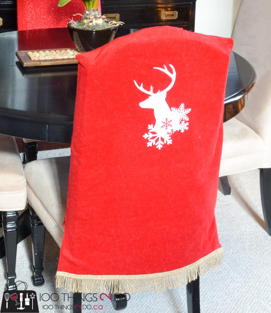 20 Simple Christmas DIYs, Christmas chair covers, DIY chair covers, Christmas DIY, Easy Christmas crafts, DIY Christmas decor
