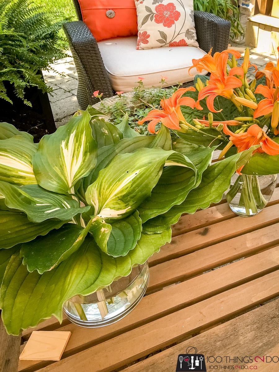 simple summer bouquet, summer arrangement, summer flowers, daylillies and hostas