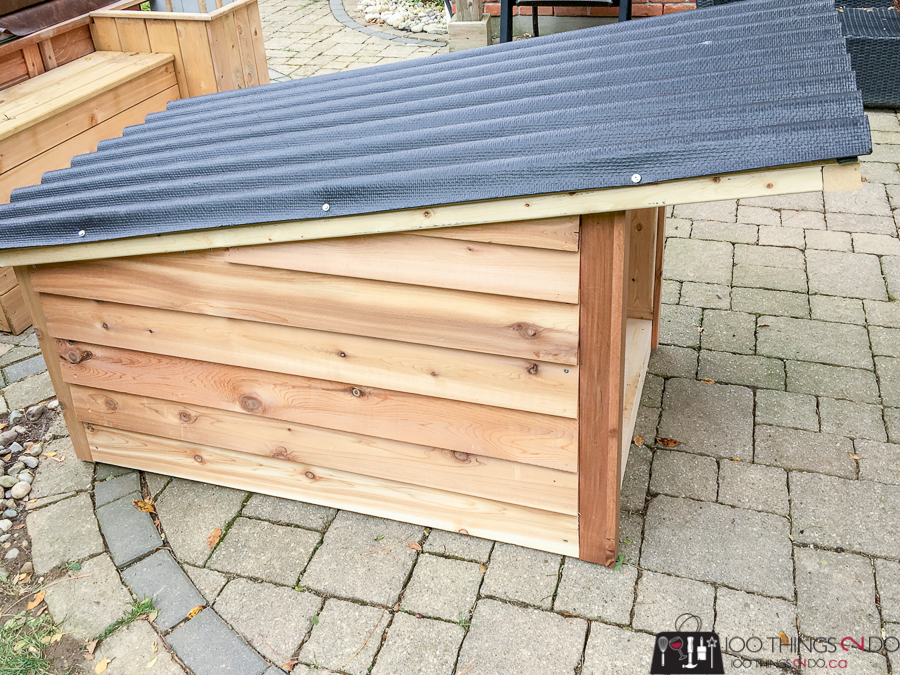 DIY Doghouse, doghouse building plans, how to build a doghouse, single roof doghouse, dog house