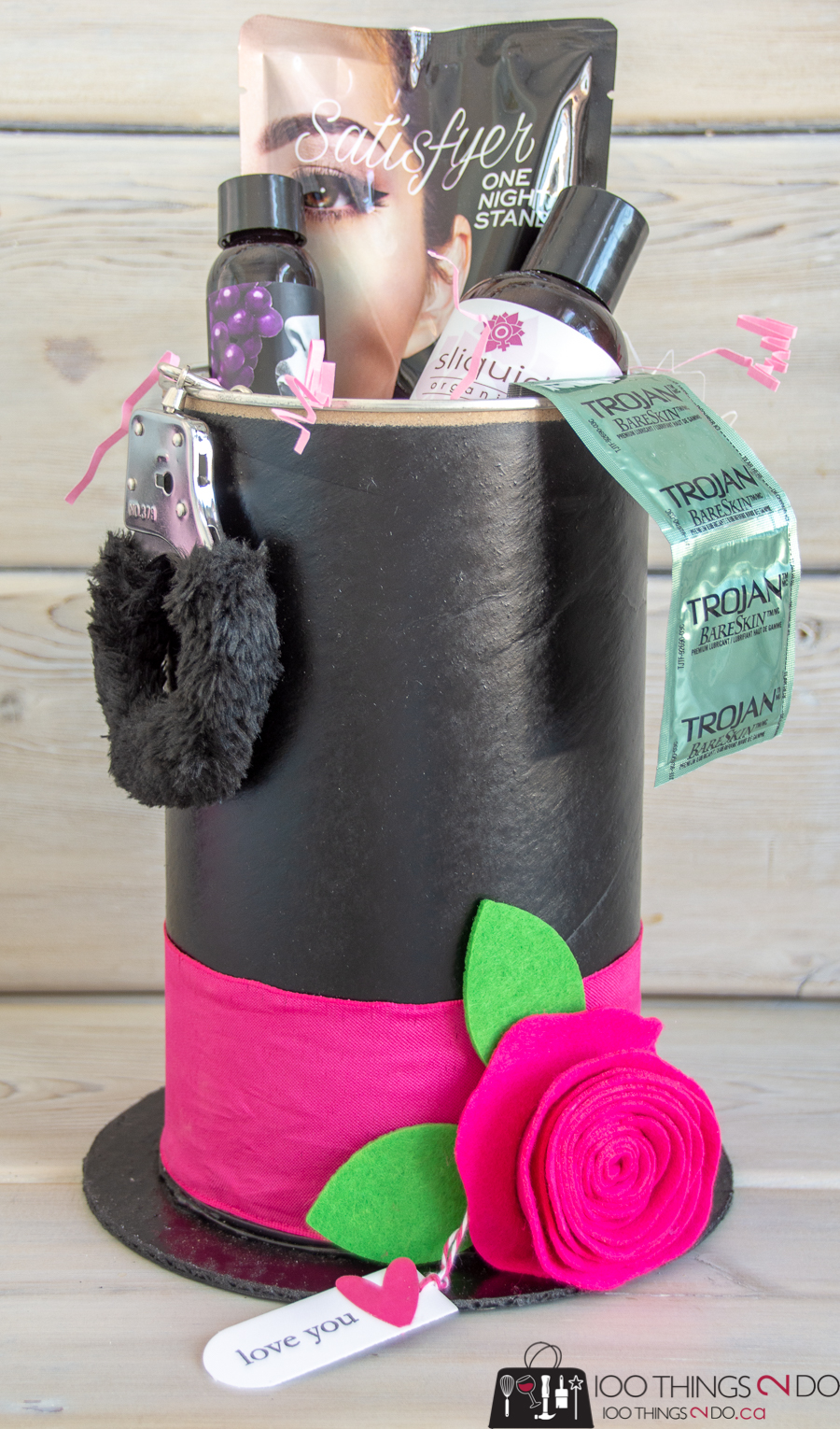 DIY top hat container, Repurposed hot cocoa container