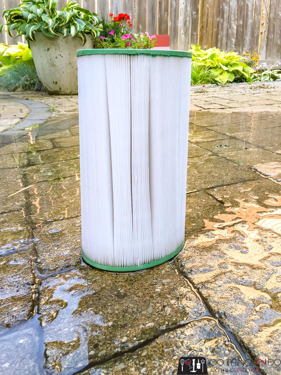 clean hot tub filter