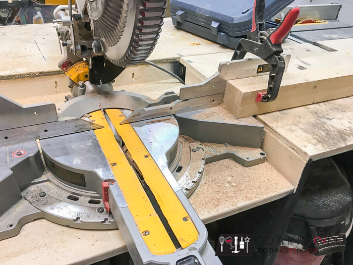 setting your mitre saw for a compound-mitre cut