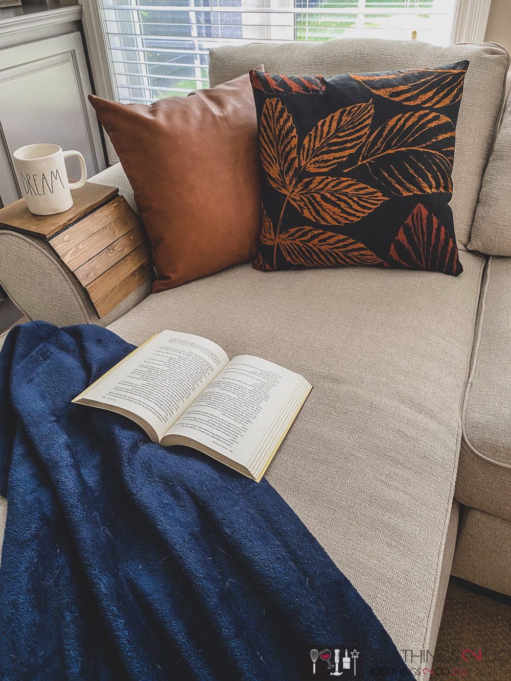 Book nook, reading chair, reading chaise