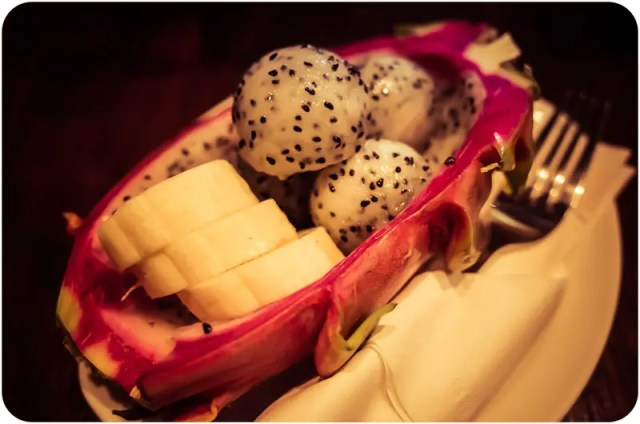Banana and dragon fruits