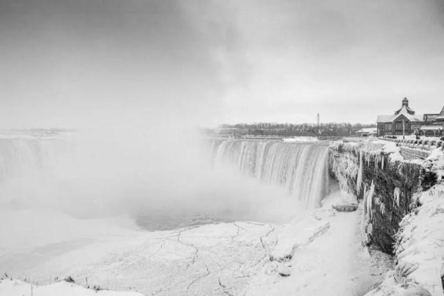 Niagara Falls polar vortex