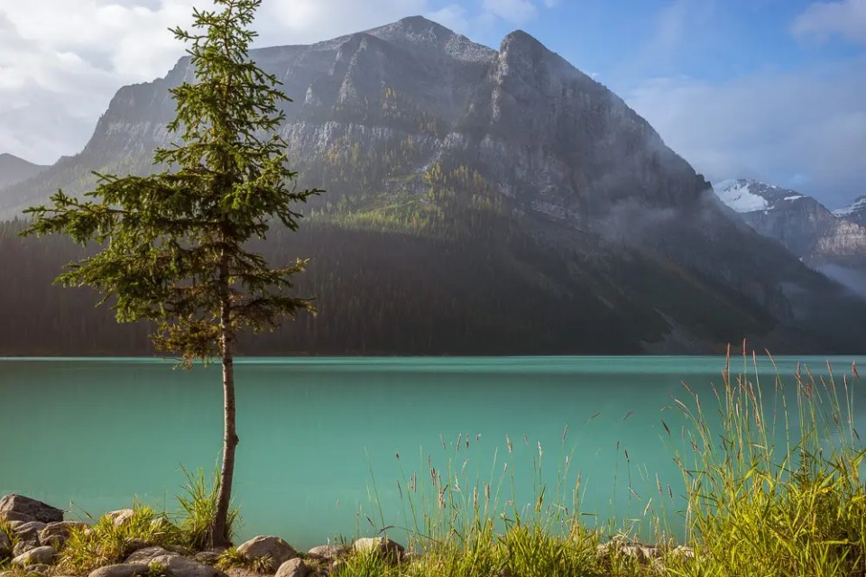 Turquoise lake in the mountains