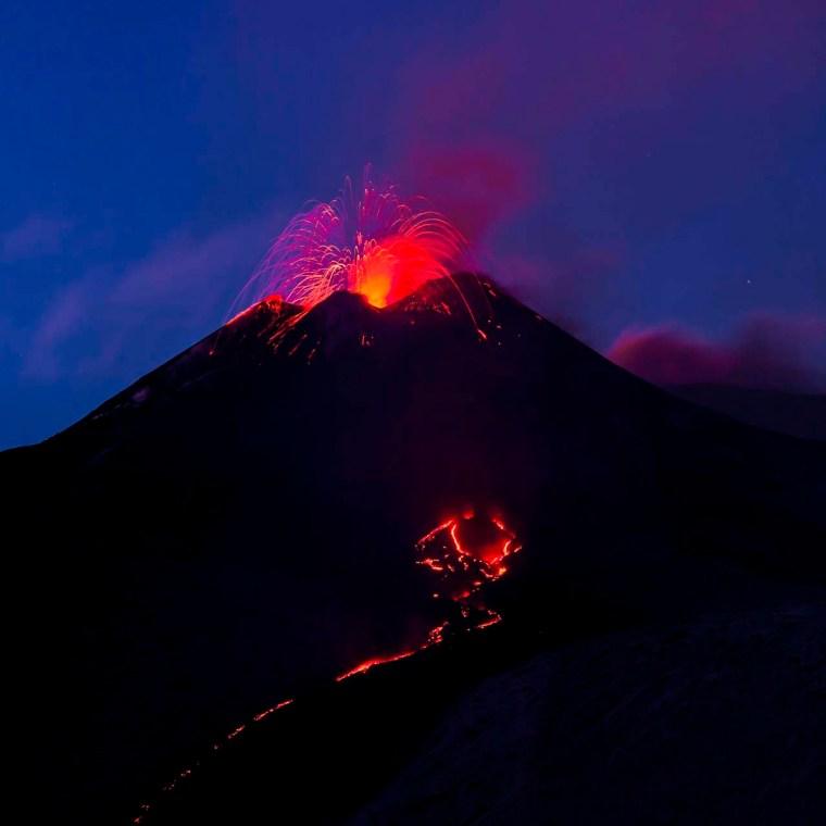 Etna, pennacchio di fuoco