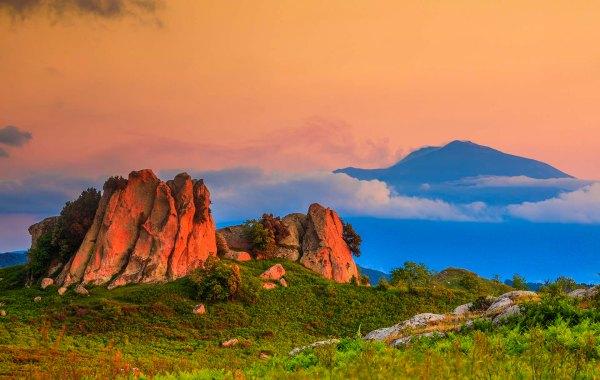 L'altopiano dell'Argimusco Belvedere dell'Etna