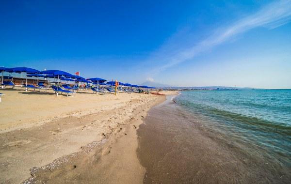 Litorale costiero sabbioso alle pendici dell'Etna