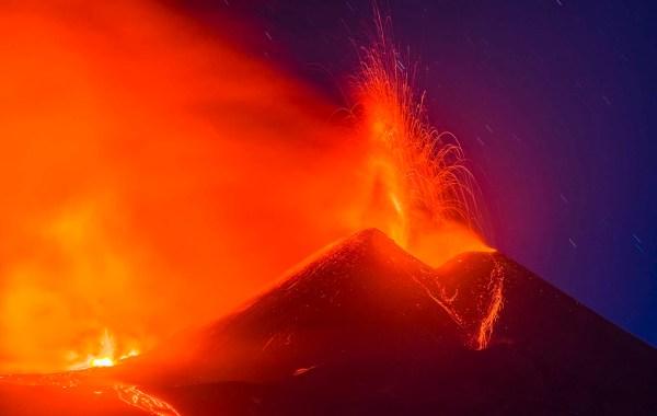 Etna, parossismo dal cratere di sud est del 1 aprile 2021