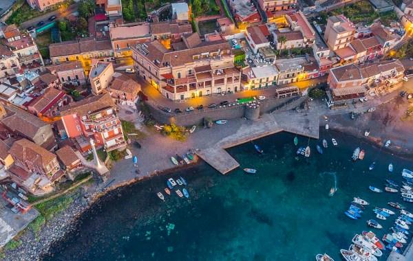 Il porto del borgo marinaro di Santa Maria la Scala