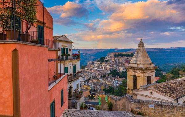 Una panoramica sulla città di Ragusa Ibla