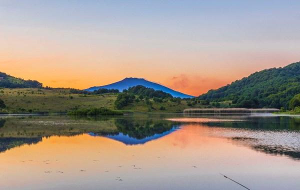 Etna vista dal lago Biviere di Cesarò