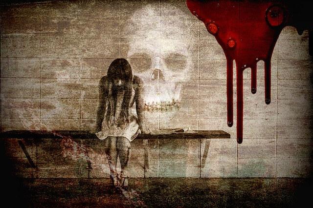 悲しみに暮れる少女