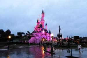 Disneyland Fransa Ünlü Şato
