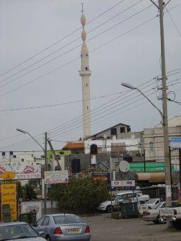 800px-Kana_Galilejska_czyli_Kafr_Kanna_minaret_002