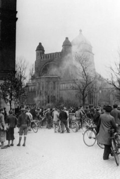 Bamberg-synagogue-burning