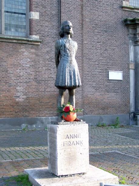 "Foto: ""AnneFrank dHont"" por brbbl - Obra propia. Bajo la licencia CC BY-SA 3.0 a través de Wikimedia Commons - https://commons.wikimedia.org/wiki/File:AnneFrank_dHont.jpg#/media/File:AnneFrank_dHont.jpg"