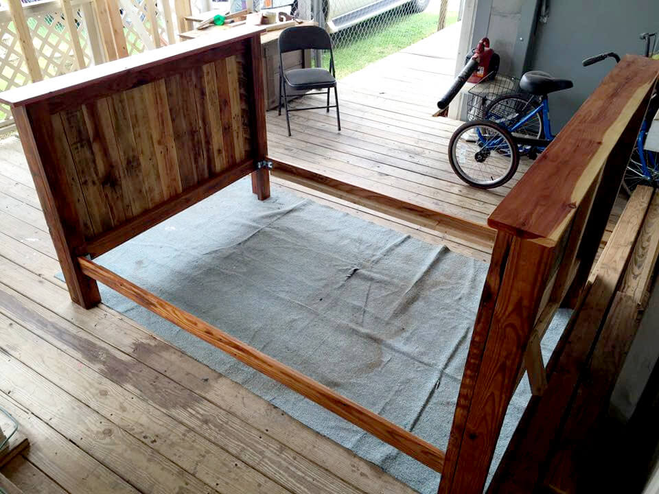 Full Size Pallet Bed Frame 101 Pallets