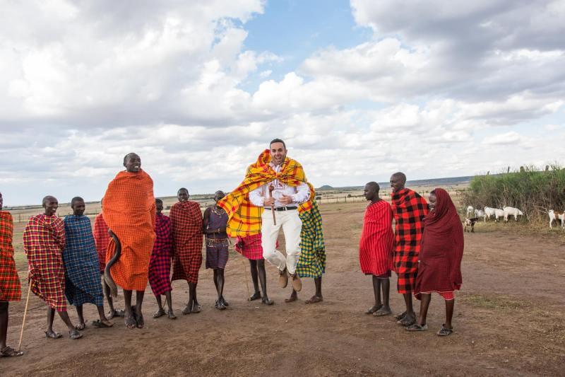 Надскачане с масаите в с. Талек, Кения