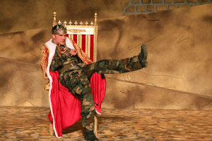 Aidan O'Reilly as Richard III at Marin Shakespeare Theater