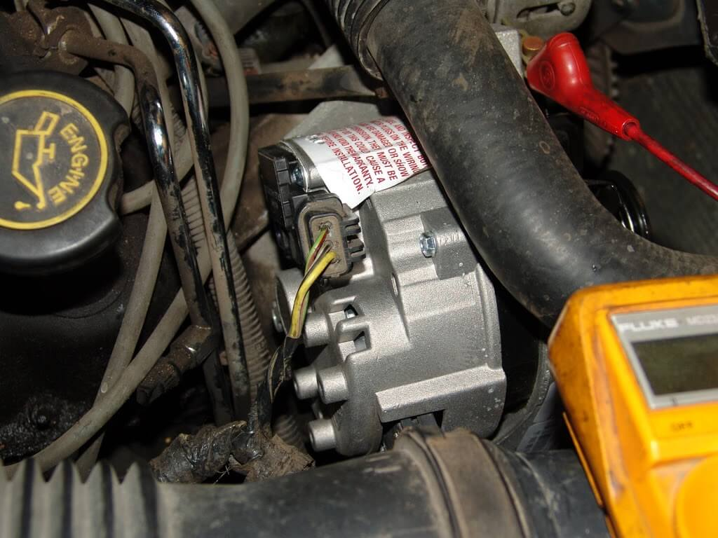 Sparkys Answers No Charge Condition 1988 Ford Thunderbird Mercury Cougar Ignition Switch Wiring After Consulting A Diagram I Found That The Power Comes From Through Instrument Cluster And Then To Alternator