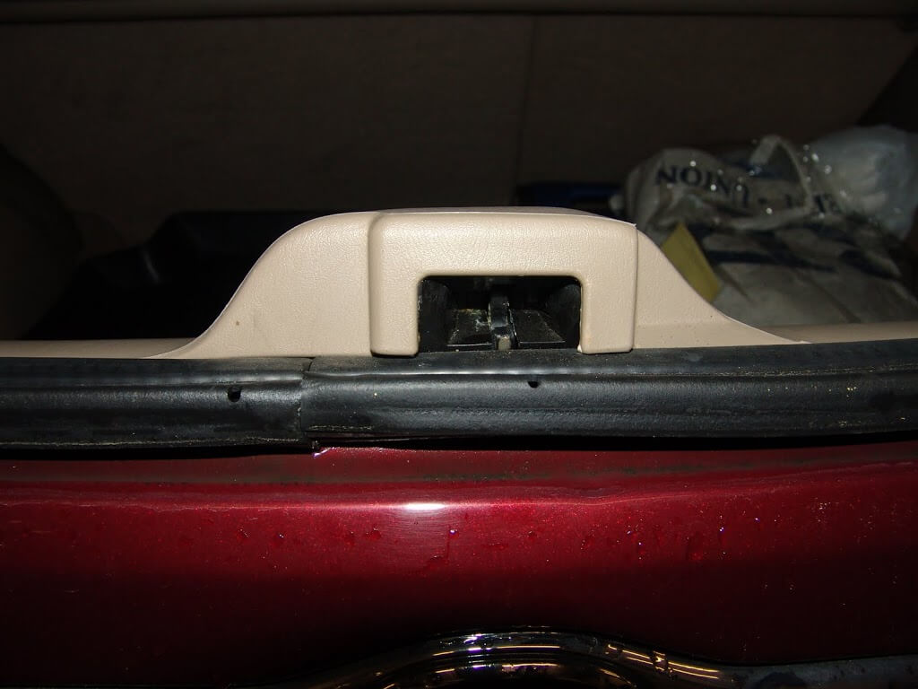 Sparky's Answers - 2003 Mazda Tribute, Door Ajar Light Stays On