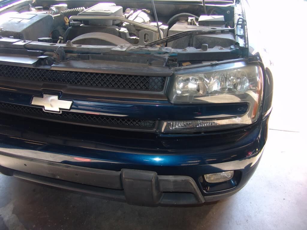 Sparky S Answers 2004 Chevrolet Trailblazer Changing Headlight Bulbs