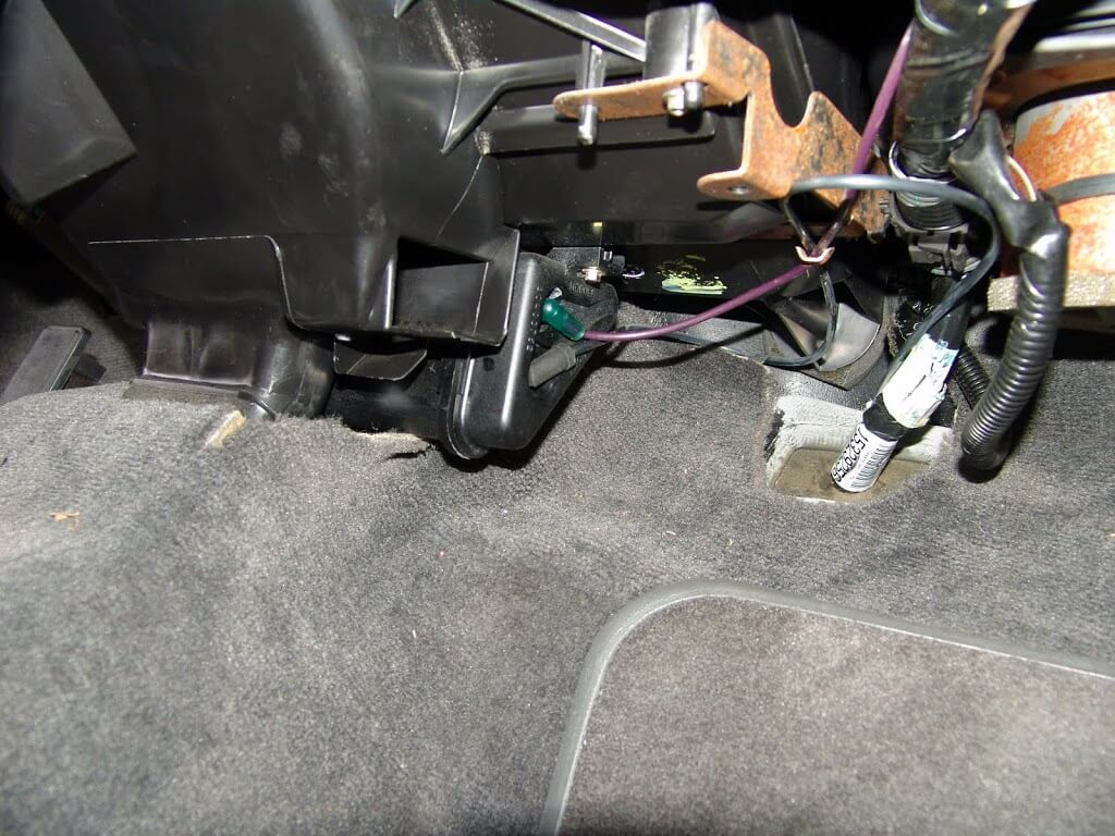 DSC05246 sparky's answers 2002 oldsmobile intrigue, no a c vent control 2002 oldsmobile intrigue fuse box at gsmportal.co