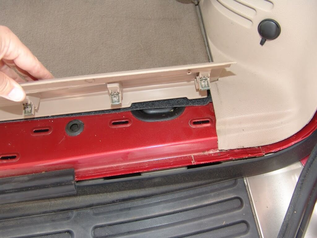 Sparkys Answers 2003 Ford Expedition Clicking From Rear A C Actuator Fuse Box Buzzing Next Lift The Floor Trim Panel As Shown Below