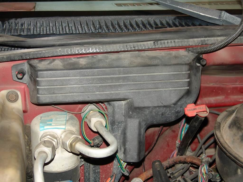 sparky s answers chevrolet k pickup multiple a little bit clearer view of the fuse box