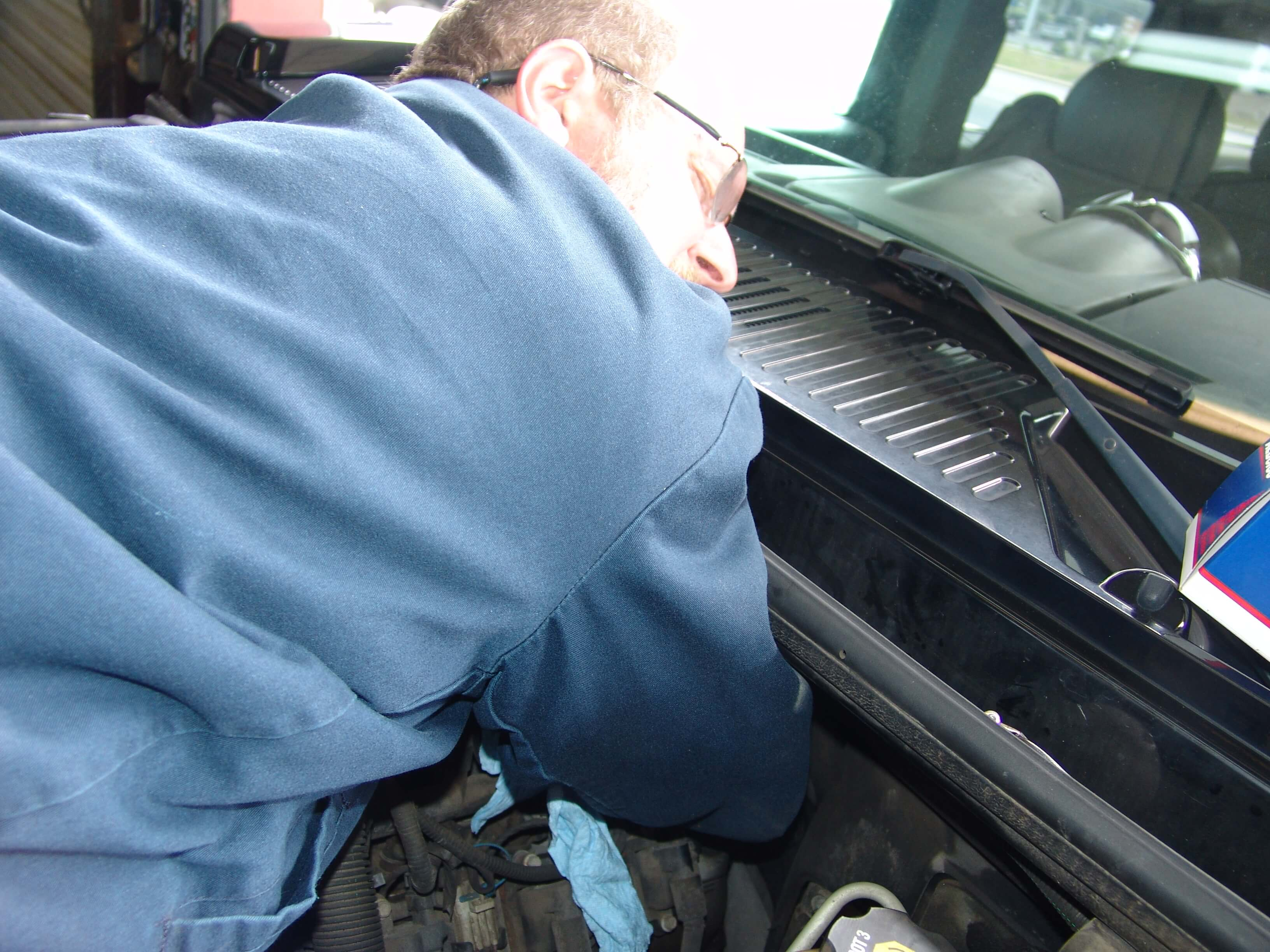 Sparkys Answers - Changing the Crank Sensor, Code P0335, On An H2 Hummer