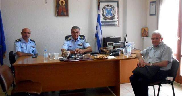 Θραψανιώτης με τον Αστυνομικό Διευθυντή Κρήτης