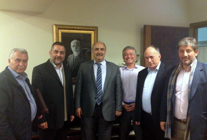 Συνάντηση τεσσάρων δημάρχων αγροτικών περιοχών της Κρήτης με τον α. υπουργό Αγροτικής Ανάπτυξης και Τροφίμων Μ. Μπόλαρη