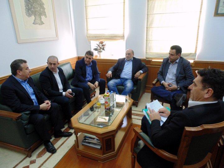ο περιφερειάρχης με τους βουλευτές του ΣΥΡΙΖΑ