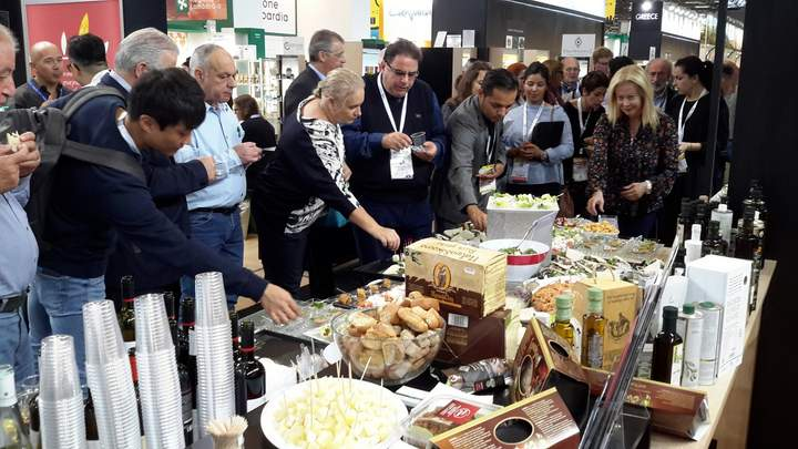 Στη Sial Paris Κρητική διατροφή και προϊόντα