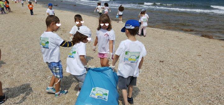 Καθαρισμός της παραλίας του Ανισαρά