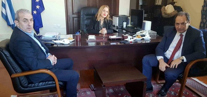 η Συντονίστρια της Αποκεντρωμένης Διοίκησης Κρήτης με τον Υπουργό Υποδομών