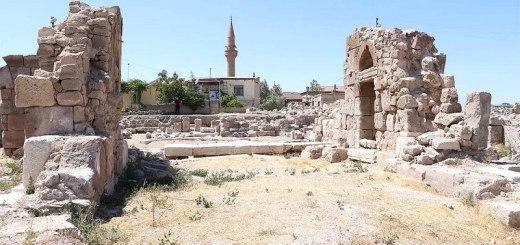 Ερείπια μεγάλης εκκλησίας στη Καππαδοκία