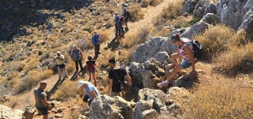 Πεζοπορία στον Αναύλοχο και το σπήλαιο της Μιλάτου