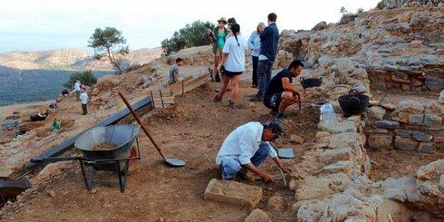 Αζοριάς ανασκαφή