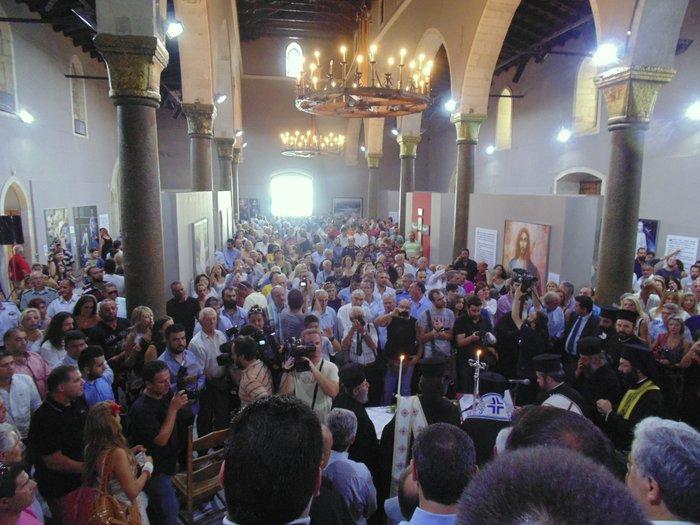 πολύς ο κόσμος στη Βασιλική του Αγίου Μάρκου στο Ηράκλειο για την ορκωμοσία Περιφερειάρχη και Περιφερειακού Συμβουλίου