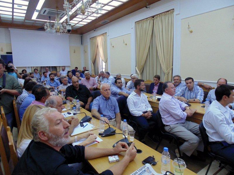 κατάμεστη η αίθουσα συνεδριάσεων του περιφερειακού Συμβουλίου Κρήτης