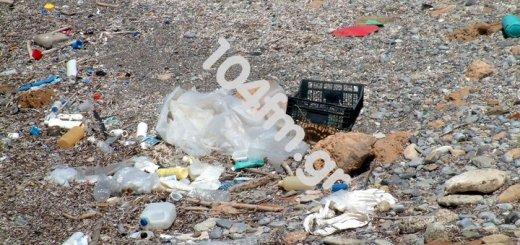 Ανάλουκας, αυτή τη παραλία ποιος θα τη καθαρίσει;