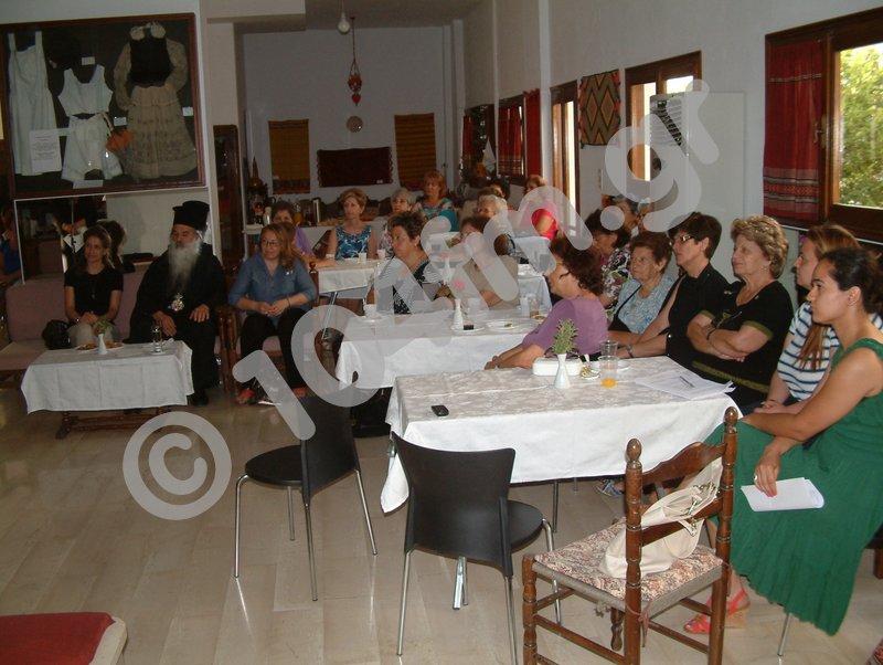 πολλές οι φίλες και μέλη του Λυκείου που παρακολούθησαν την εκδήλωση
