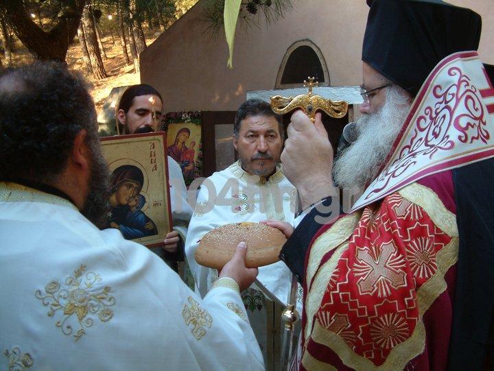 Παραμονή της Αγίας Άννας στο εκκλησάκι της Θρυφτής
