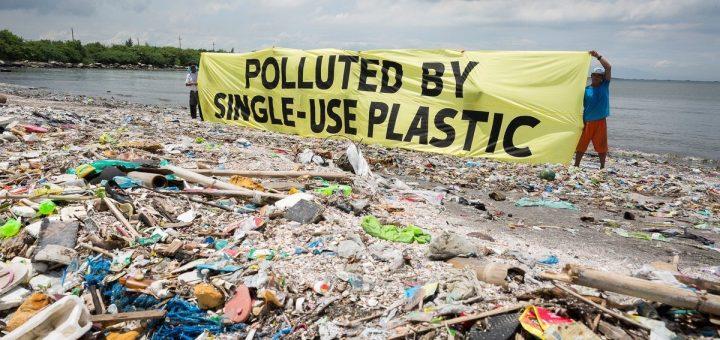 Νότης Μαριάς: τα πλαστικά καταστρέφουν το περιβάλλον