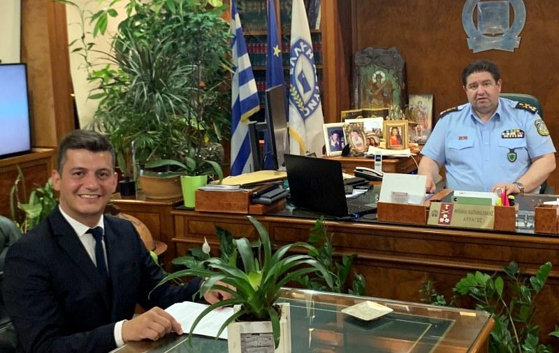 Συνάντηση Καραμαλάκη, Καρτσάκη