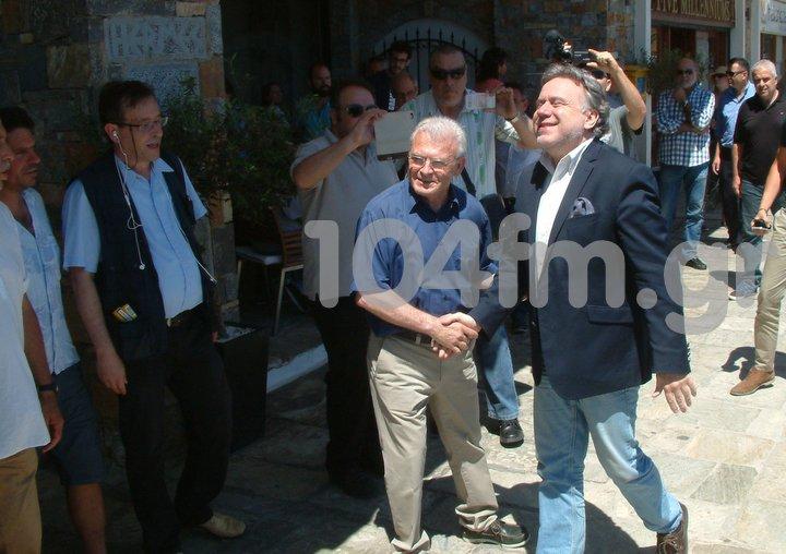 ο βουλευτής Λασιθίου Μανώλης Θραψανιώτης υποδέχεται τον υπουργό εργασίας κ. Κατρούγκαλο