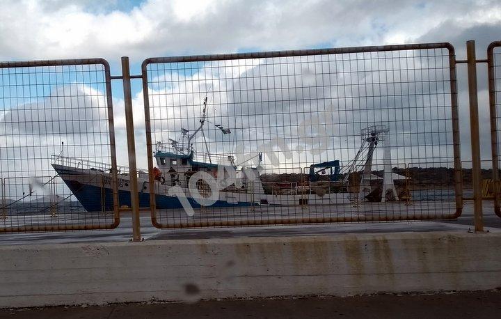 160 χιλιόμετρα άνεμοι και Ιταλικά αλιευτικά στο λιμάνι